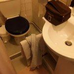 En enfilade douche, lavabo,wc
