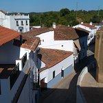 Vistas de la Iglesia y de la calle que baja a la plaza del Coso, fotografía realizada desde el s