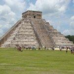 Pirámide Truncada de Chichén Itzá, increíble su historia y simbolismo !!!!!!