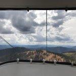 Photo de Monarch Scenic Tram
