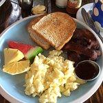 Egg and bacon - extra crispy - yum!