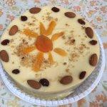 Uma delicia, bolo torta de marfim paguei r$33,10 mto bom não durou um dia :)