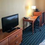Room Furnishings & Amenities