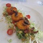 Croustillants de Chavignol sur frisée et figues.