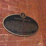 Photo de Gladstone Hotel