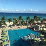 Photo de Azul Beach Resort The Fives Playa Del Carmen