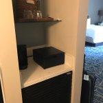 Room 3272 - mini fridge, coffee maker, safe