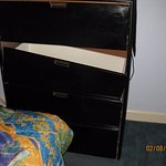 bedroom dresser only one, broken