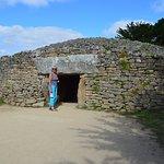 Entrée du dolmen. Attention à la tête!