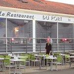 la terrasse du restaurant vue sur le port