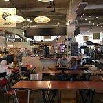 صورة فوتوغرافية لـ Fenix Food Factory