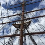 The mast of the RRS Discovery.