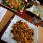 Ensalada y plato principal