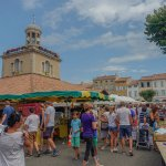 Mercado de los sábados en Revel