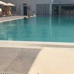 Photo de Kamari Beach Hotel