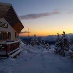 Levé de soleil en hiver au Refuge Jeandel