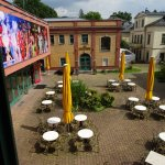 der Innenhof mit Blick zum Theater