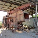 Storico macchinario agricolo, tuttora funzionante
