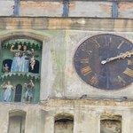 L'orologio con le marionette