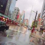 浅草で人力車のってきたー😘 人力車のお兄さん たけちゃん!雨なのに元気で面白かった(笑)楽しかったですありがとうございました💕
