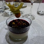 Panacotta aux fruits rouges.