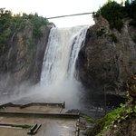 Wasserfall mit Vorplatz