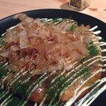 """L'okonomiyaki est la spécialité de Moshi Moshi ! Une """"galette japonaise"""" savoureuse."""