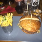 Foto OX Wine & Burger Bar