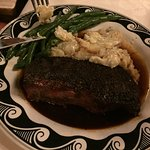 Steak with gratin potatoes and green beans. It was ok.