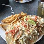 Fish Taco (+1 extra taco)