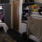 room sleeps 6 people
