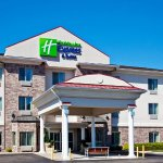 Photo of Holiday Inn Express & Suites Clinton