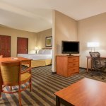 Photo of Holiday Inn Express Hotel & Suites Manteca