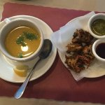 Lentil soup and pakora with 2 sauces