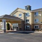 Photo de Crossings by GrandStay Inn and Suites Becker