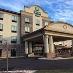 Welcome to the Holiday Inn Express Butler!