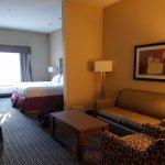 Holiday Inn Express & Suites Fredericksburg Image