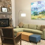 Country Inn and Suites Boone Lobby