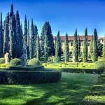 Beautiful gardens. Piece of heaven. Quiet and gorgeous statues and cypresses. A wonderful labyri