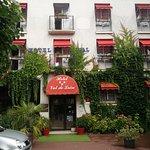 Frontansicht Hotel Val de Loire