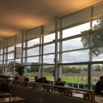 The restaurant with views over the vineyard