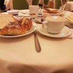 Desayuno en Hotel Regio.