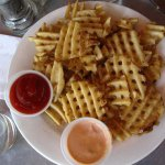 Freshly sliced, with wonderful fry sauce. Perfect!