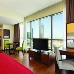Junior Suite Burj Khalifa and Fountain View - fully-equipped kitchenette