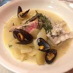 cocotte de poissons, une fois servie dans l'assiette devant vous