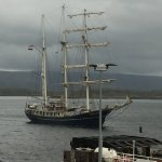Tall ship motors into Tobermory harbour