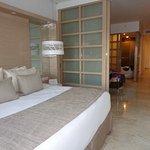 linda habitacion con vista al mar