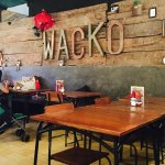 Photo de Wacko Burger Cafe