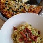 Pasta and pizza. Really enjoyed the pasta.