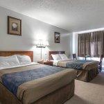 Photo of Empire Inn & Suites